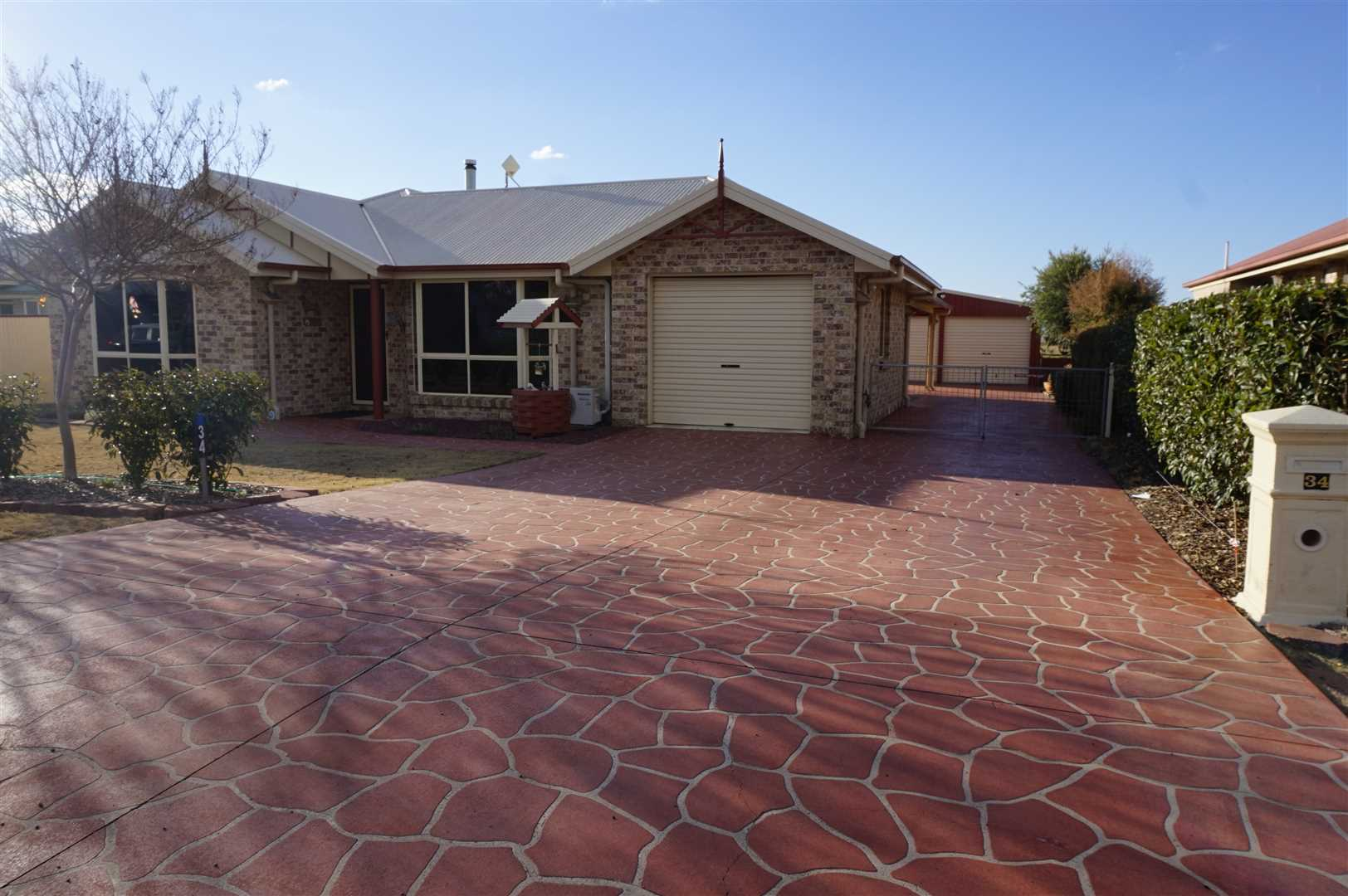Beautifully Presented Retirement or Investment Family Home