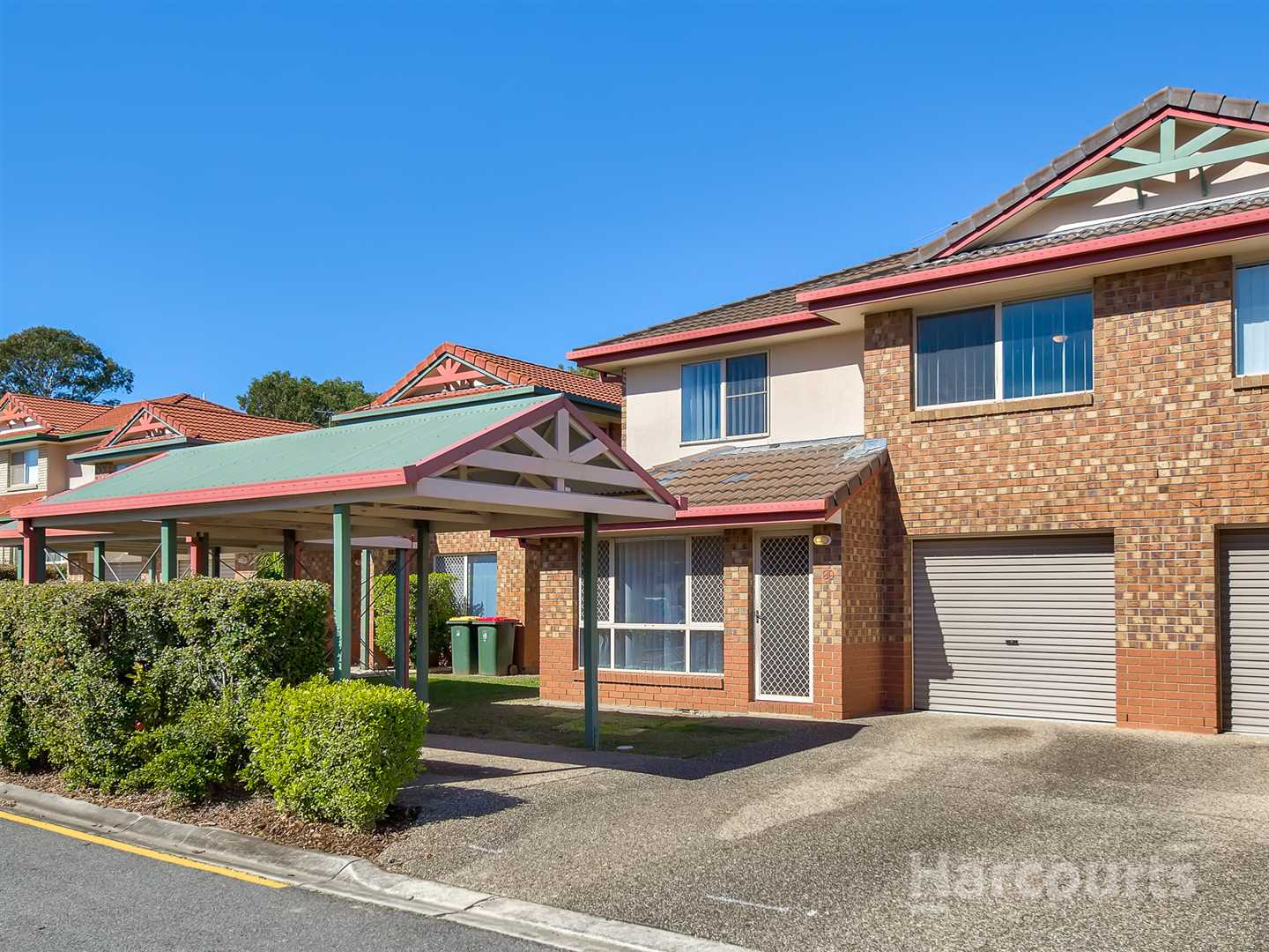 Stylish living a stones throw from Chermside Shopping Centre
