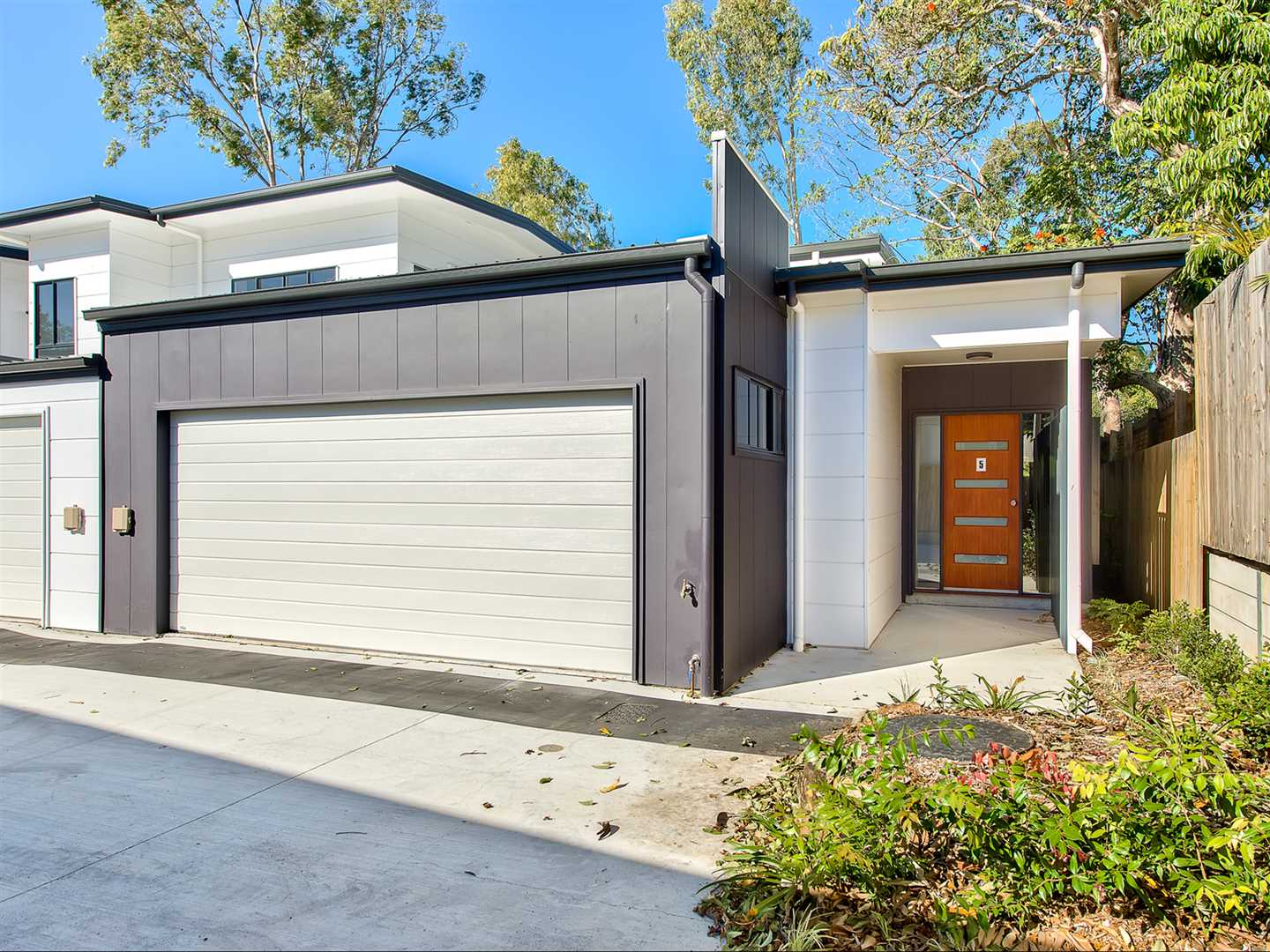 Brand new lowset townhouse with double lockup garage