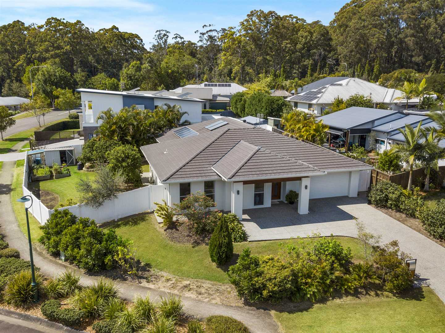 Immaculate Excellence - Plenty of Extras!