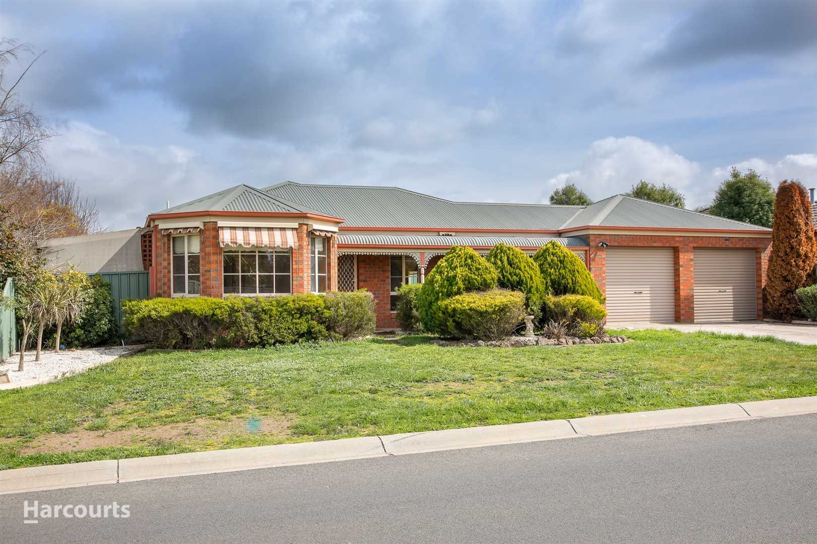 4 Bedrooms - Outdoor Entertaining - Double Garage Plus Shed