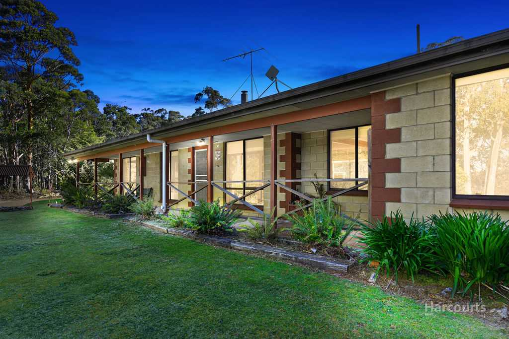 Blissful acreage surrounded by private bushland