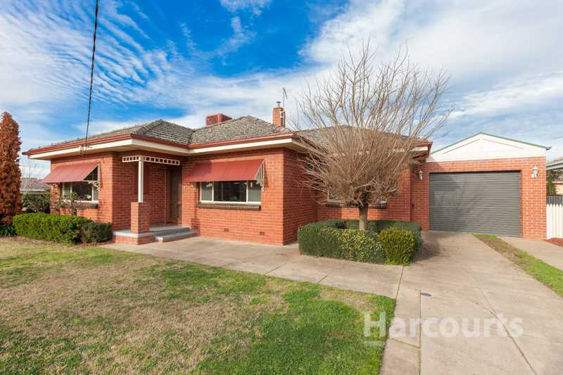 Red Brick Charm in West End - 557m2