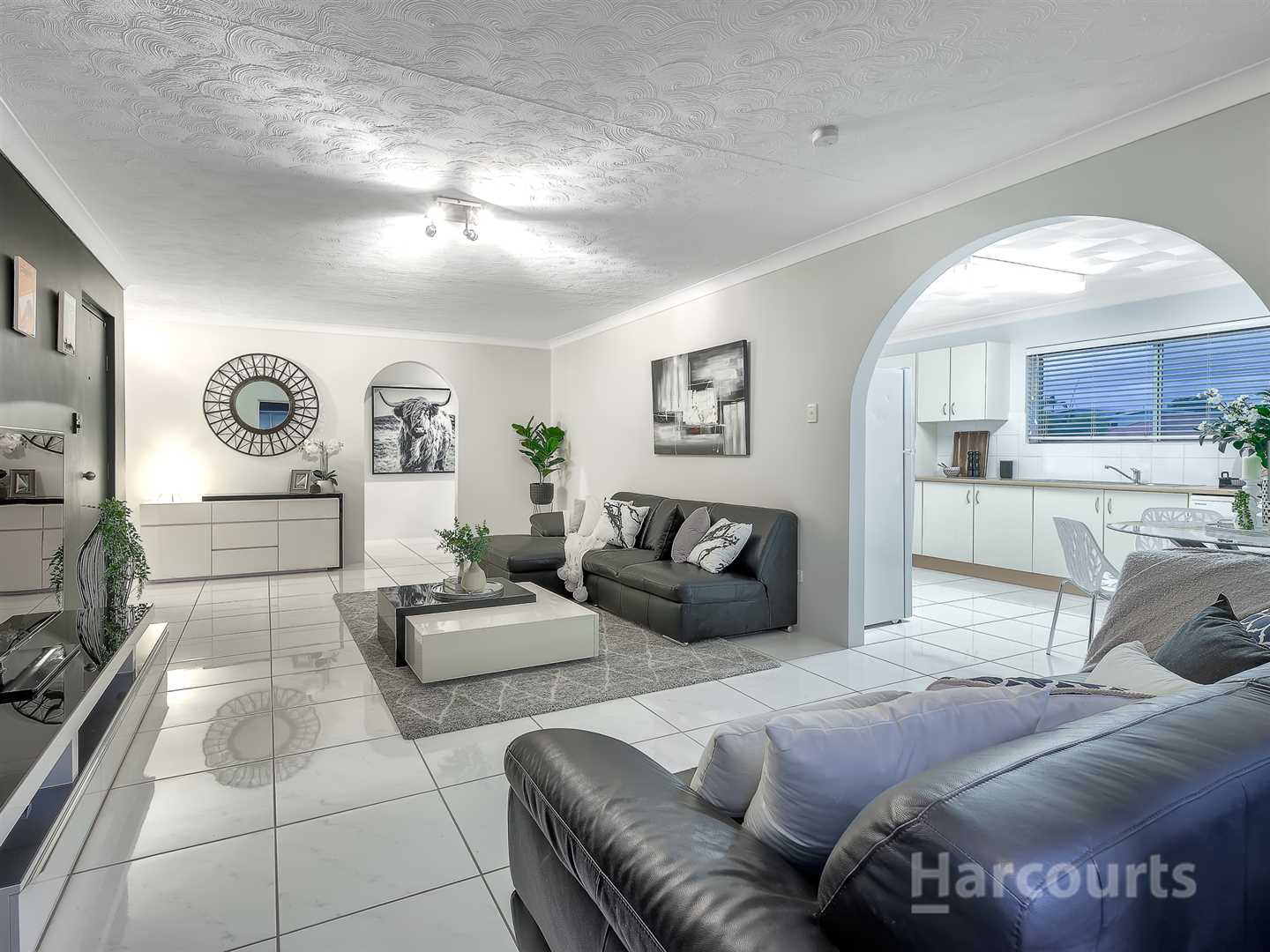 Fully Renovated unit in Blue Chip Position