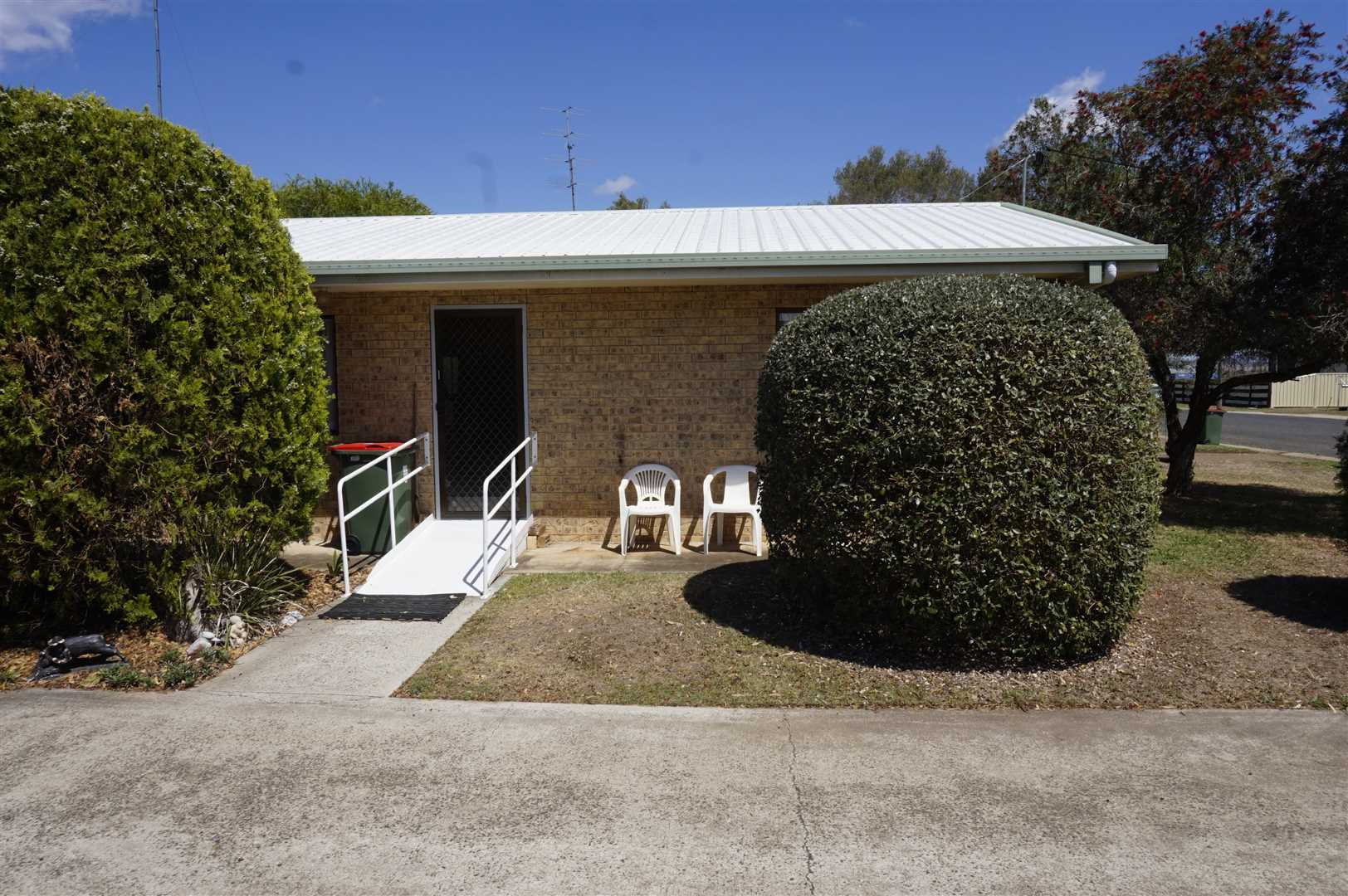 Investment Unit or Settle into Clifton with a Budget Buy