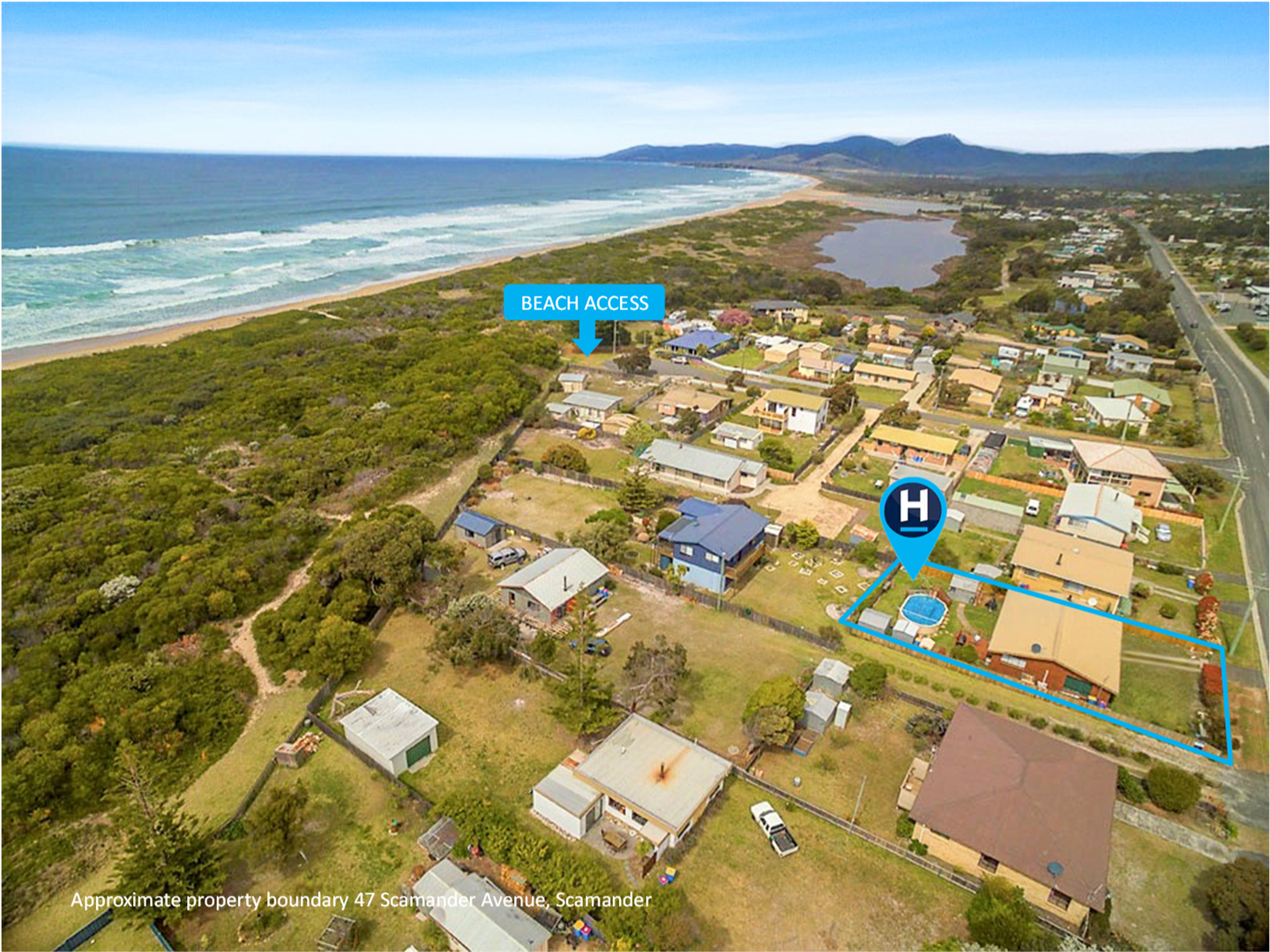 So, so close to the beach. Direct beach access is just a few footsteps around the corner