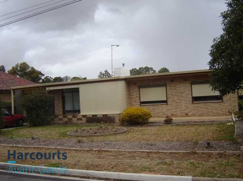 Stand Alone Perfect 2 Bedroom House With Large Backyard