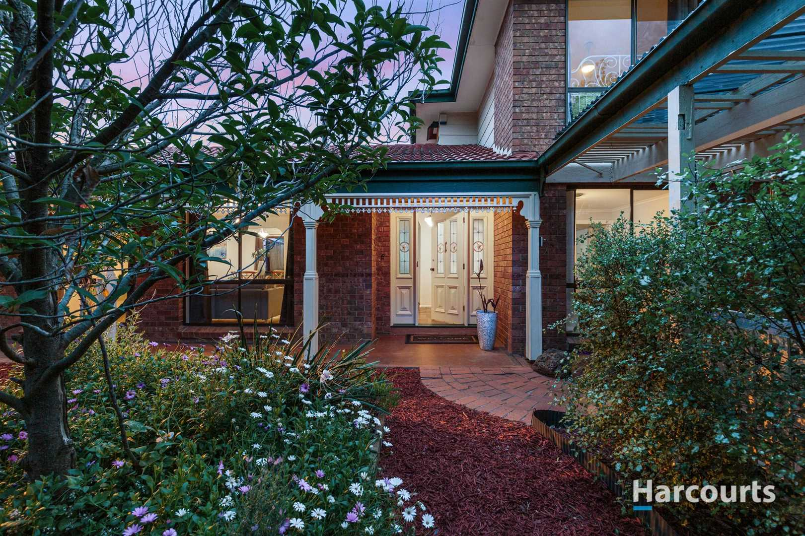 Ideal Family Home in Rowville Lakes