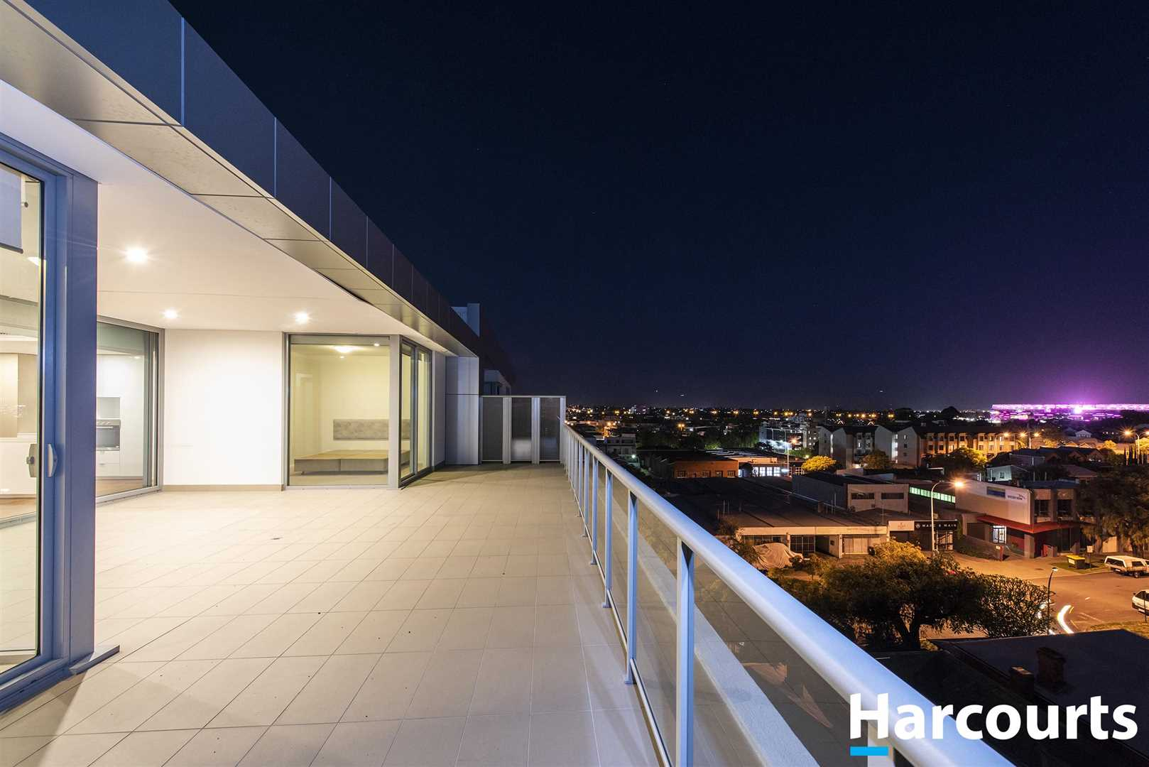 Penthouse Level - Massive 60sqm Terrace!