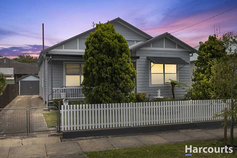 Beautifully Kept Family Home in Central Location