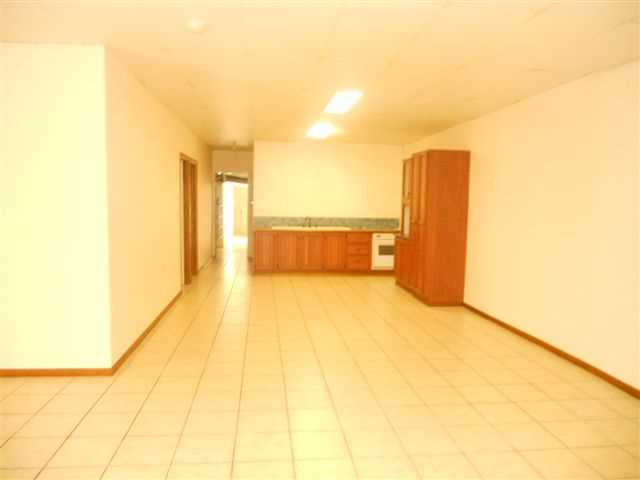 Large Ground Floor Unit Centrally Located