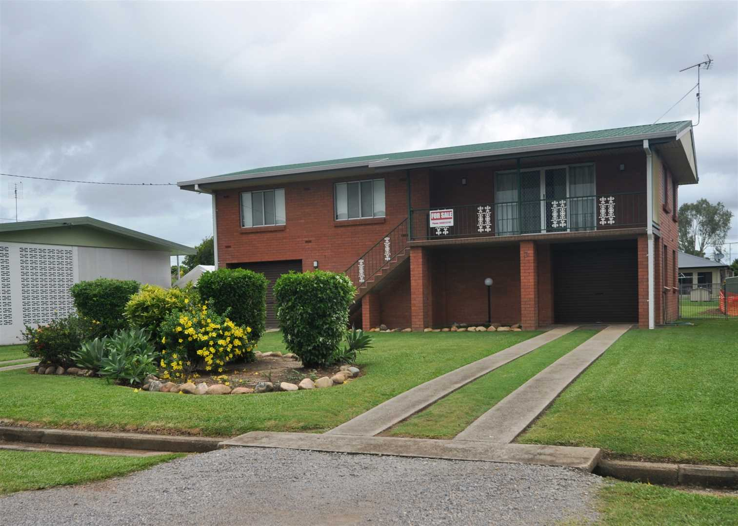 Family Home in Quiet Location