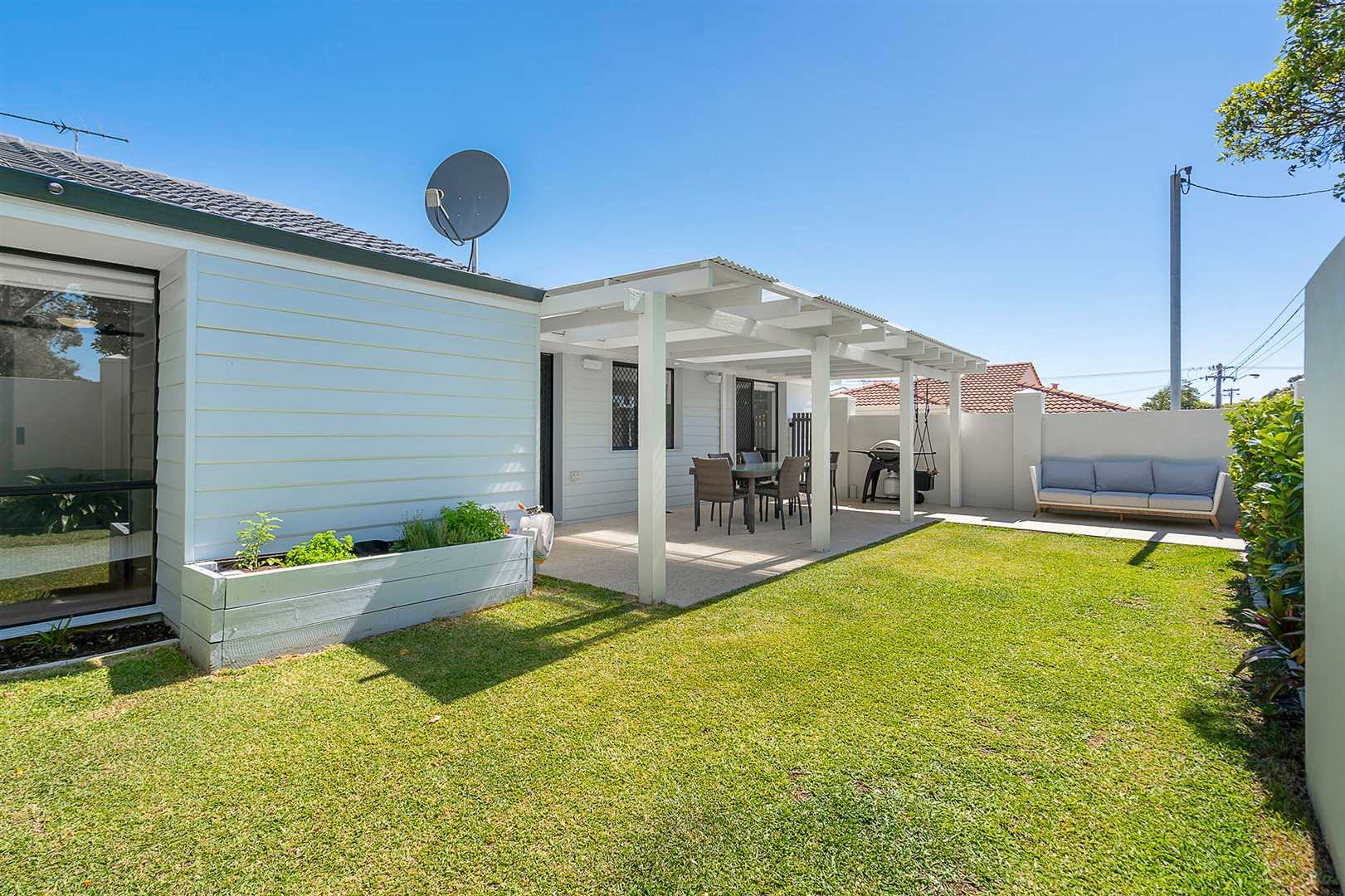 Home Open Cancelled!! Under Offer!!