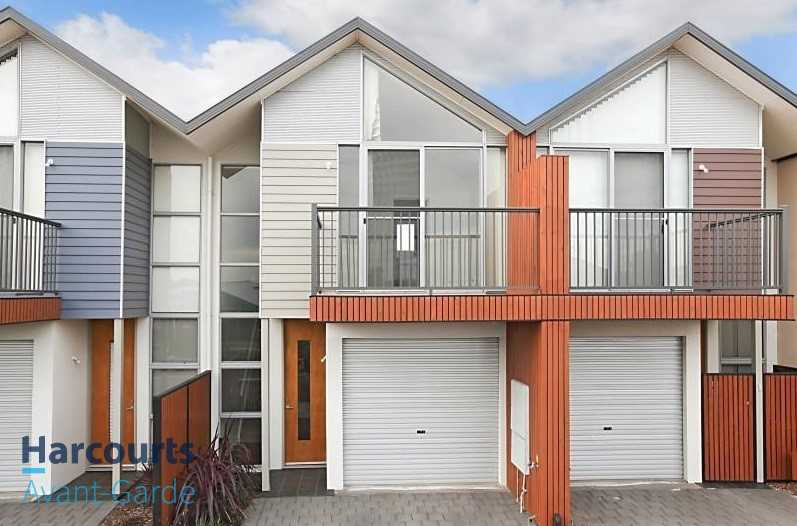 Modern Three Bedroom Townhouse In Shoalhaven