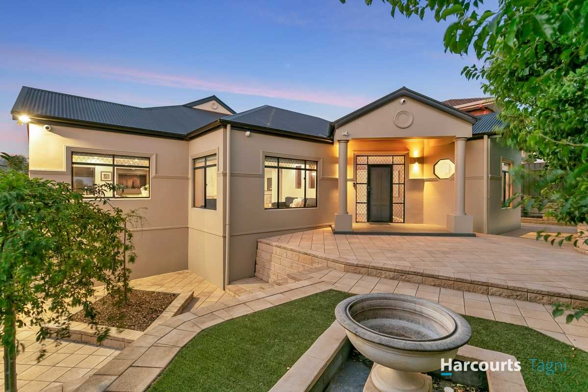 The Ultimate in Executive Family Living - 'Woodcroft Farm'