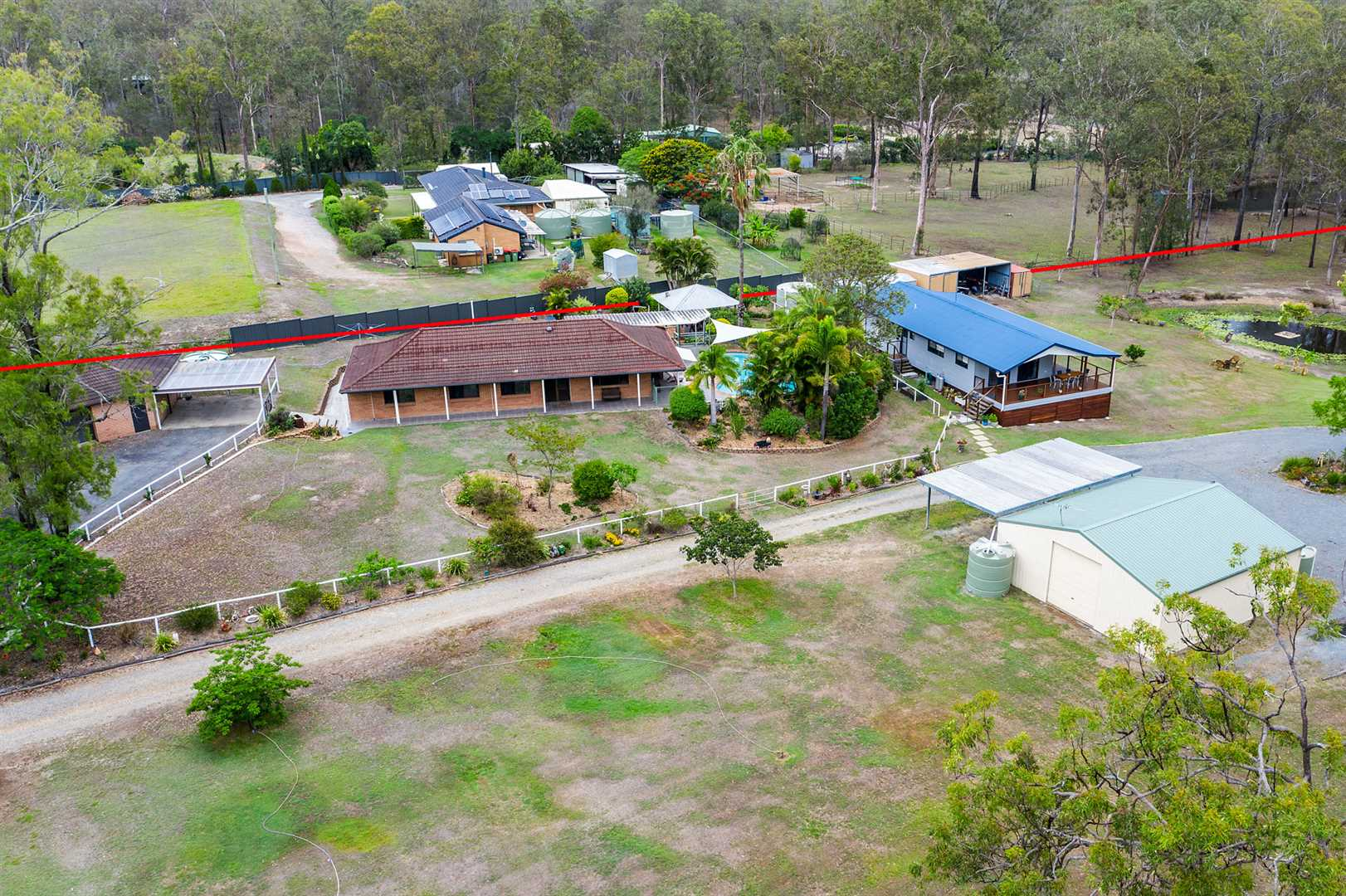 Two separate houses on 5 acres - Ticks ALL the boxes