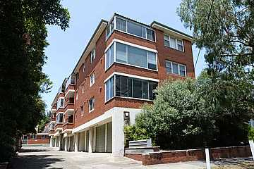 Great Location Two Bedroom Apartment