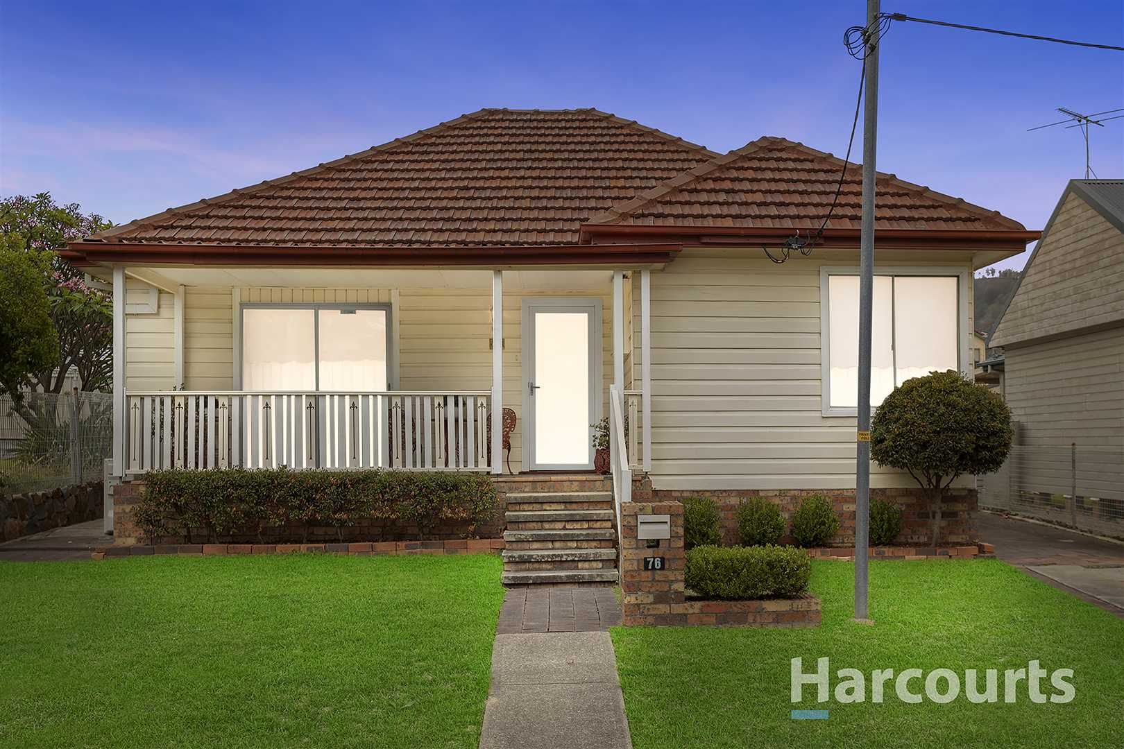 Much Loved Family Home in Desirable Lakeside Suburb