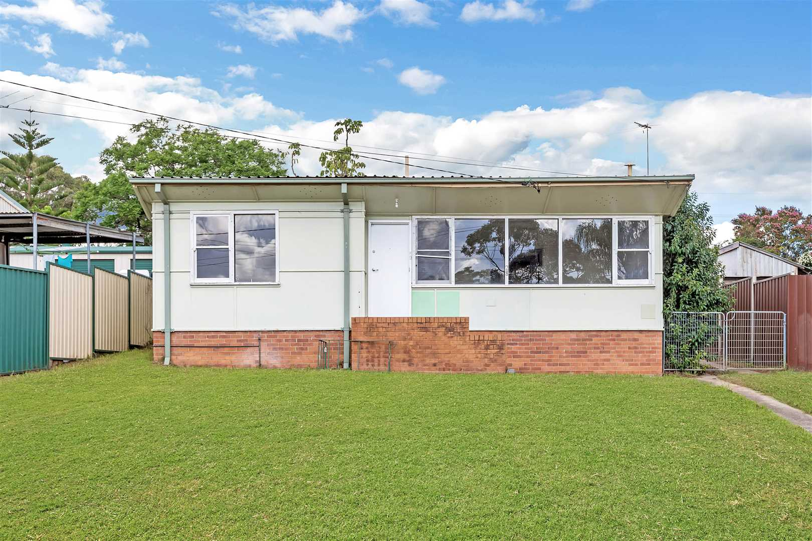 Large 569sqm Block - Don't Miss Out!